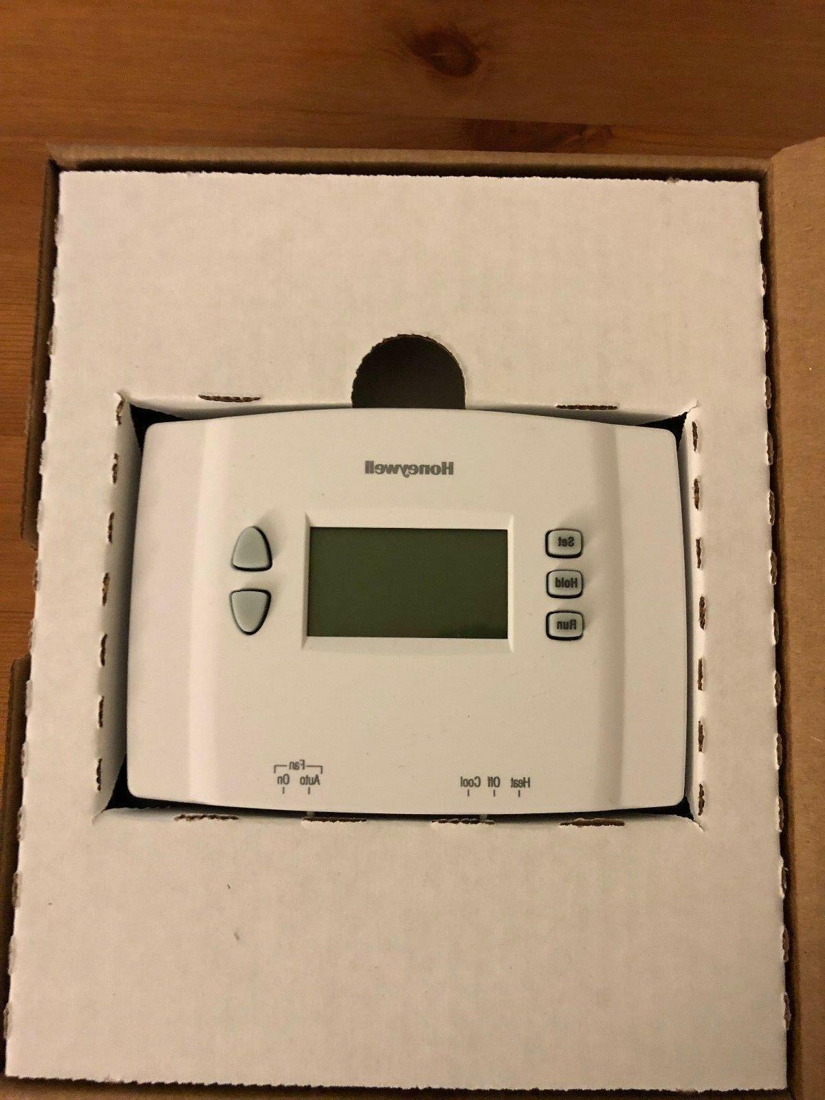 Honeywell RTH221B1021/E1 Week Programmable Thermostat